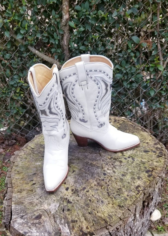 White Rockabilly Women's Cowboy Boots Silver Cut O