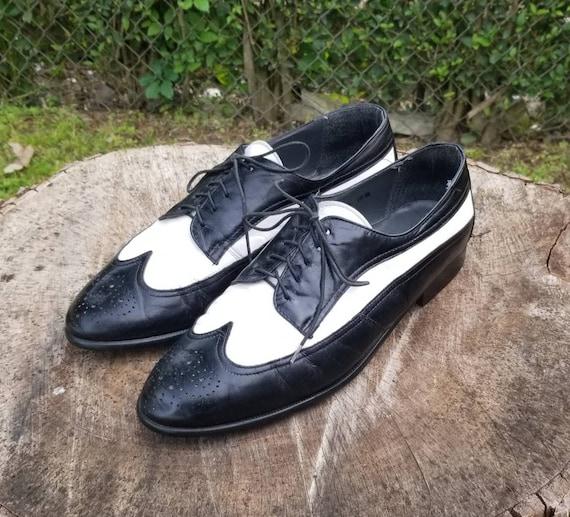 Size 10.5 Vintage Stacy Adams Men's Black & White