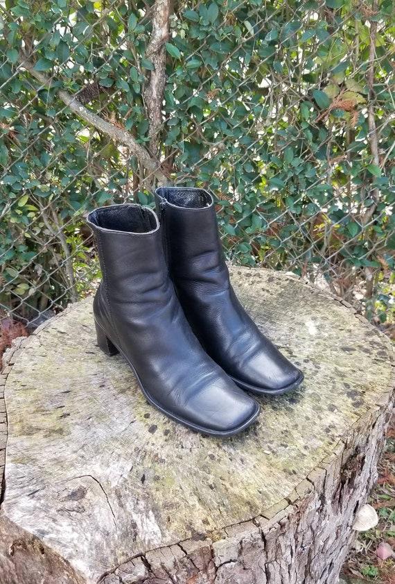 COACH Evonne Black Leather Boots Square Toe 8 B/Ch