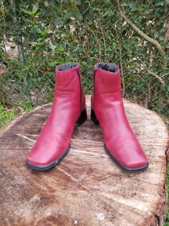 Sz. 7 Vintage Ankle Boots/ Red Genuine Leather/Zi… - image 2