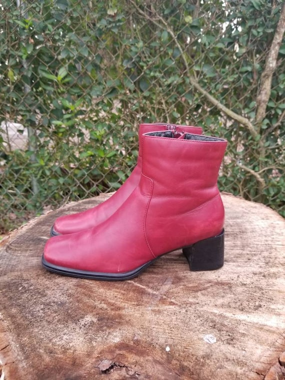 Sz. 7 Vintage Ankle Boots/ Red Genuine Leather/Zi… - image 7
