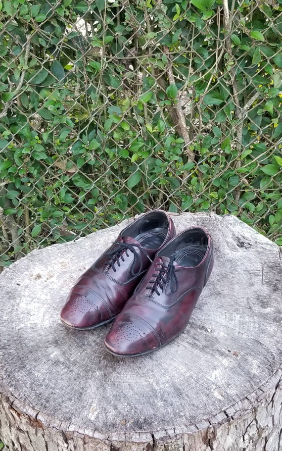 Sz 9 Vintage Oxford Shoes/ Genuine Leather Wingtip