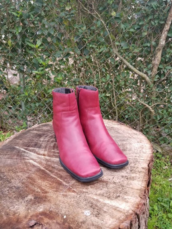 Sz. 7 Vintage Ankle Boots/ Red Genuine Leather/Zi… - image 3