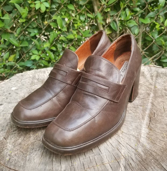 Sz 7 Vintage Loafers/Genuine Leather Shoes/ 1990s