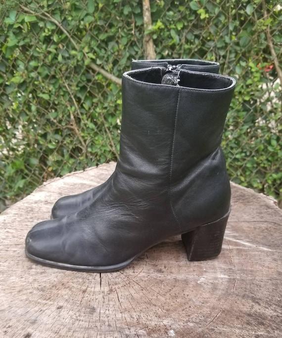 Sz. 8.5 Vintage Ankle Boots /Genuine Leathe Zipper