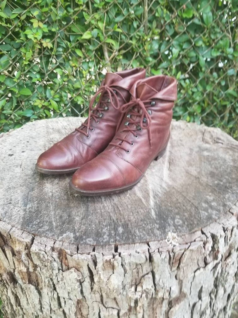 e9c3be6bb02df Vintage Genuine Leather Ankle Boots/Lace Up Ankle Boots/Vintage Granny  Boots/Pixie Boots/80's Molly Ringwald Boots