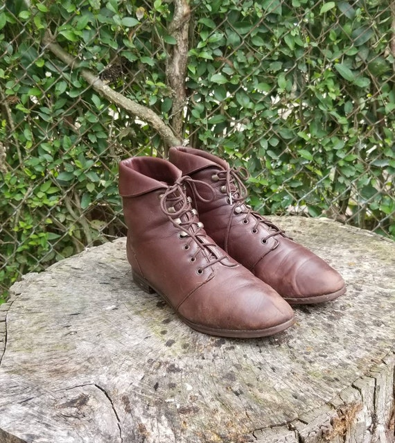Vintage Leather Brown Granny Lace Up Ankle Boots/W