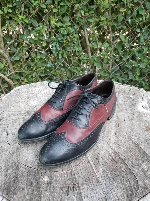 Sz 9.5 Vintage Two Tone Oxford Shoes/Genuine Leath