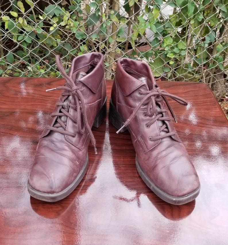 61386ce024ef5 Sz. 6.5 Brown Lace Up Ankle Boots/Booties By Classic Elements/Vintage  1990's/Granny/Pixie Boots