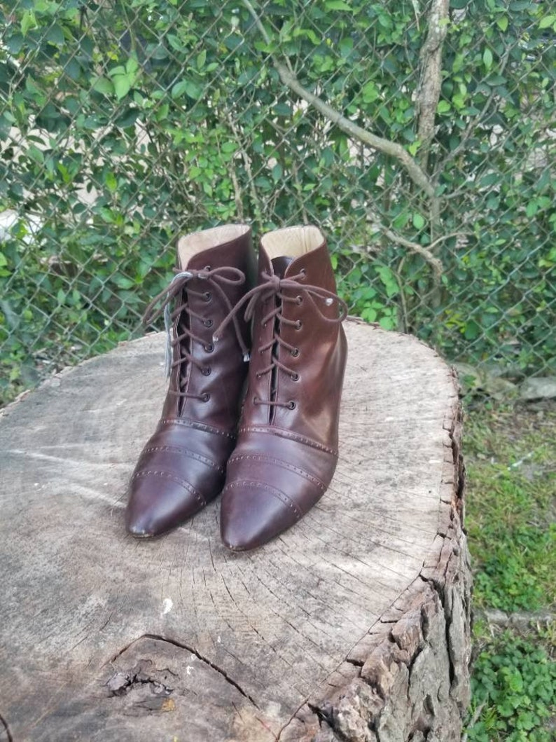c383ba36f3756 Sz. 8 BWoman's Genuine Leather Brown Lace Up Ankle Boots/Granny  Boots/Booties/ Vintage 70's-80's/ Pixie Boots/Woodstock/Hipster style