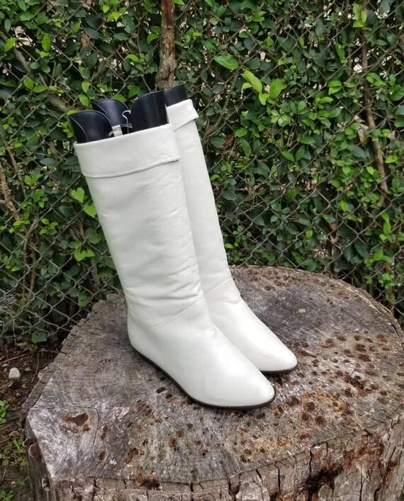 Size 7.5 Vintage Mid Calf White Genuine Leather Ri