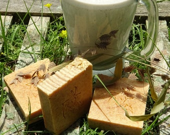 Manuka Honey & Oats Goat Milk Soap