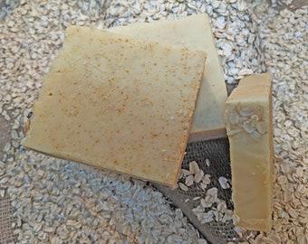 Manuka Honey & Oats Goat Milk Soap