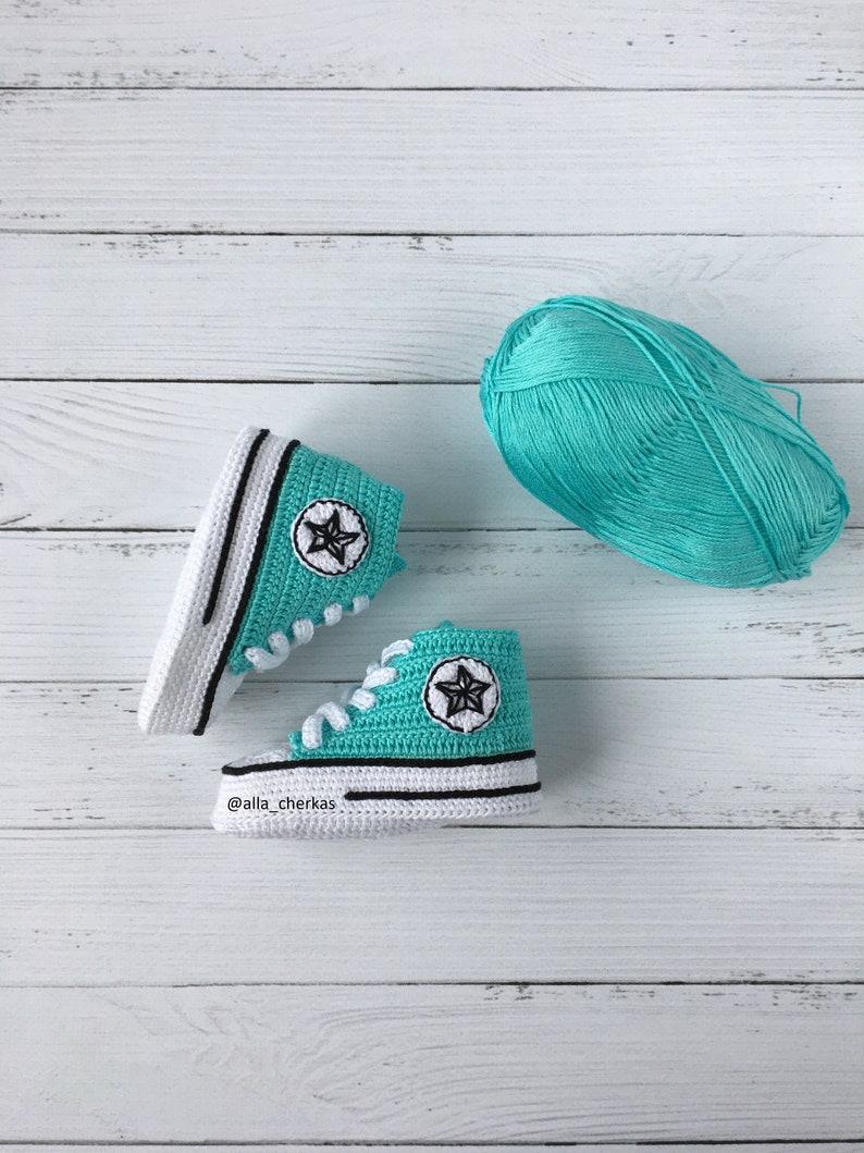 02a0073320d7 Crochet Converse All star baby booties Crochet Converse