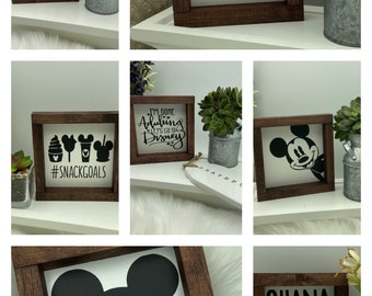 Disney Mickey Mouse mini wood sign