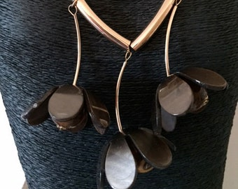 Ladies Acrylic drop flower necklace