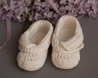 Baby Girl White Crochet Booties Unisex Organic Baby Shoes Simple Boots Newborn 0-6 months Eco Cotton Baby Shower Gift Maternity Photo Prop