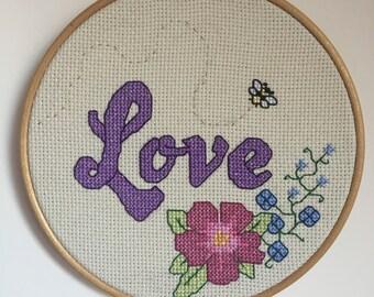 6 Inch Embroidery Hoop Love Flowers Bee