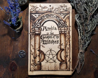Wooden plaque with Pyrography, dedicated to Italian witchcraft