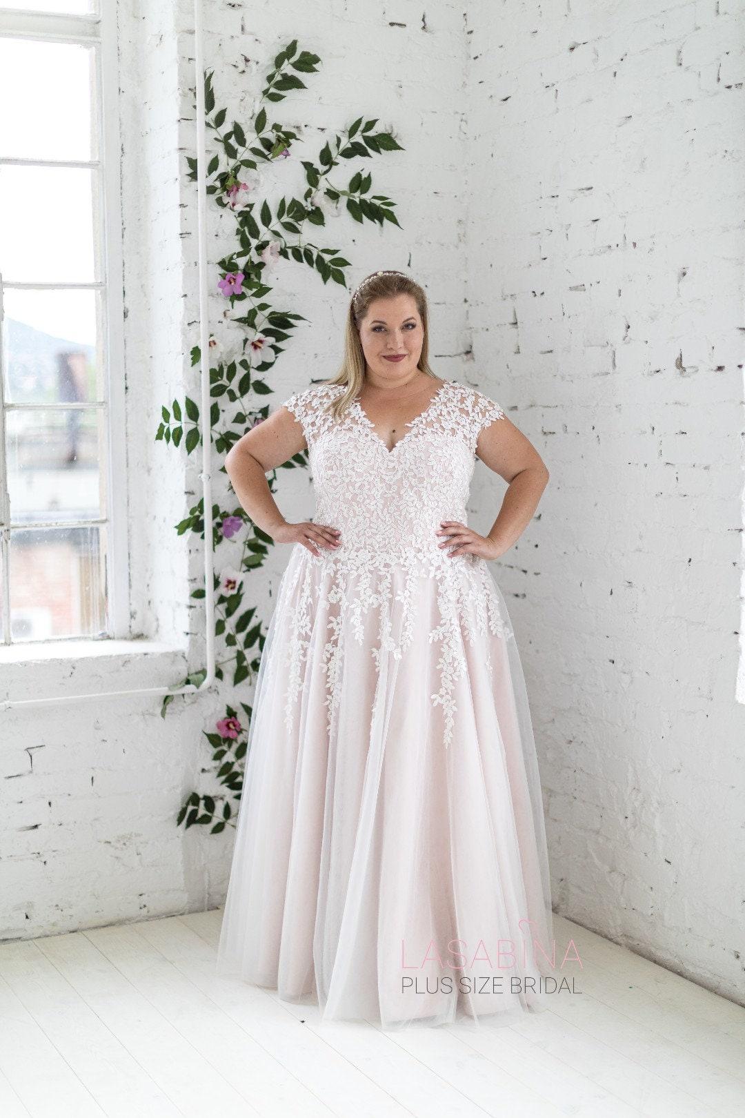 Plus size wedding dress, pluss size wedding dress with sleeves, cap sleeves  plus size wedding dress