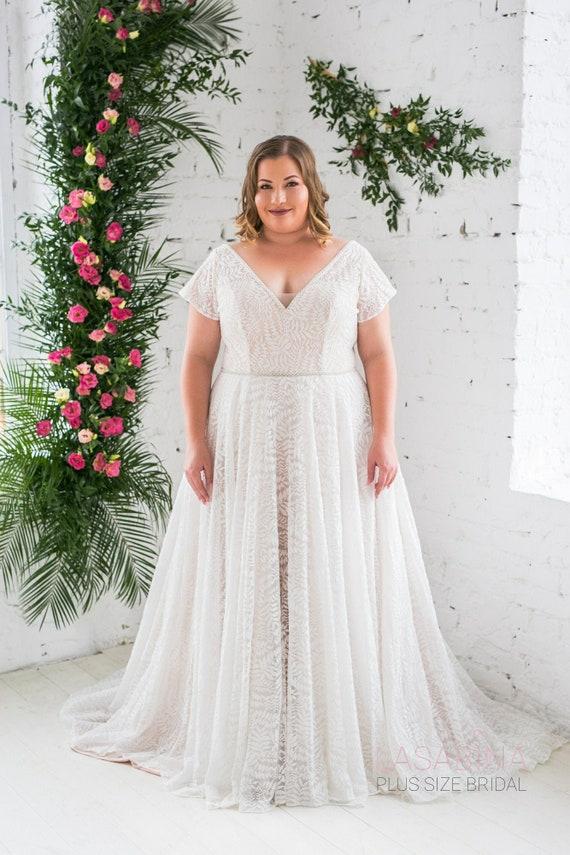 Plus size wedding dress, vintage plus size wedding dress, vintage lace  wedding dress