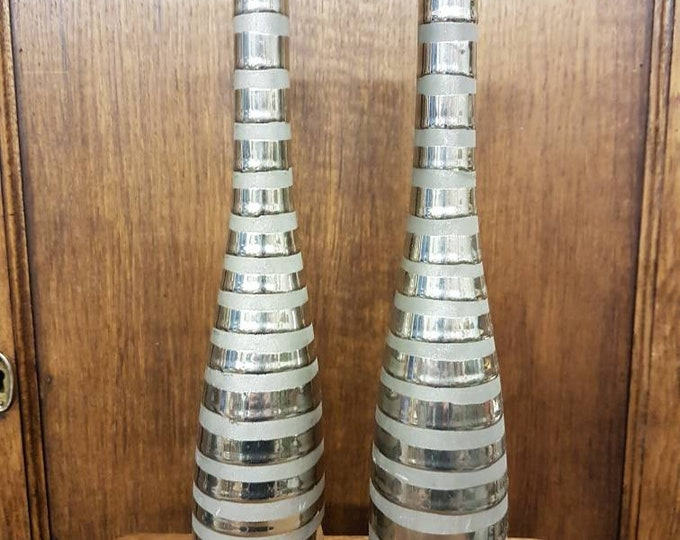 Duo silver candlesticks