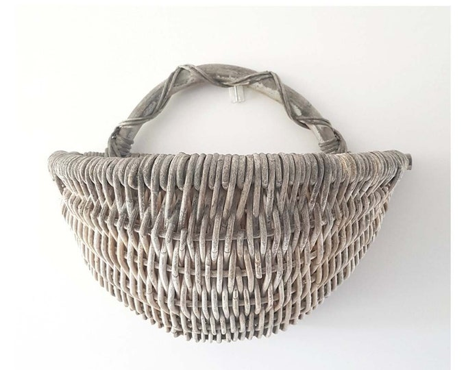 Rattan basket to supendre