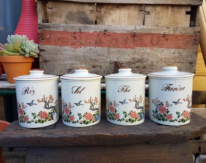 Series spice pots