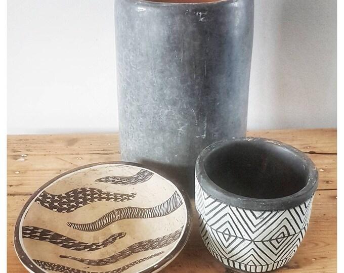 Ceramic decoration set