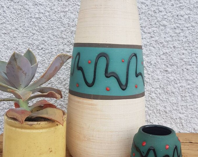Duo vintage vases