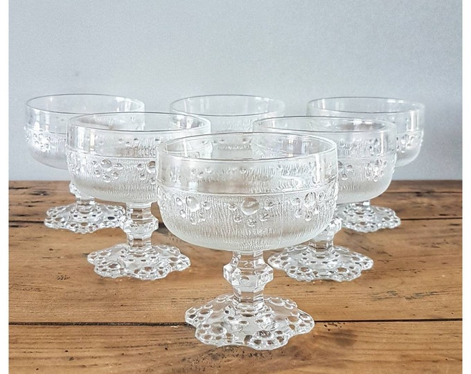 Service 6 glass cups