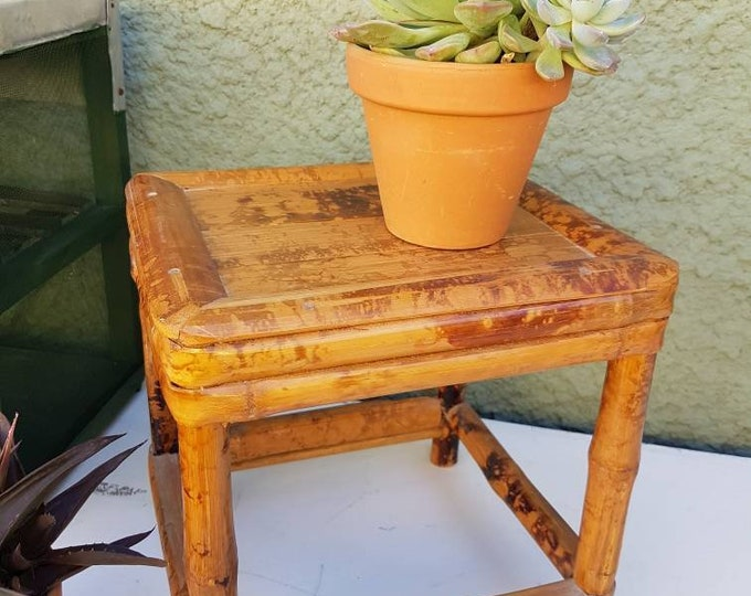 Vintage bamboo support