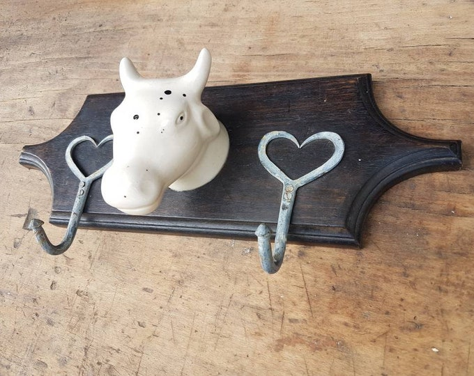 Beef head towel stalk holder