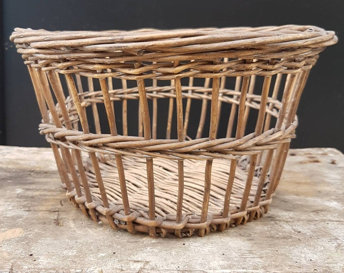Natural rattan pot cover