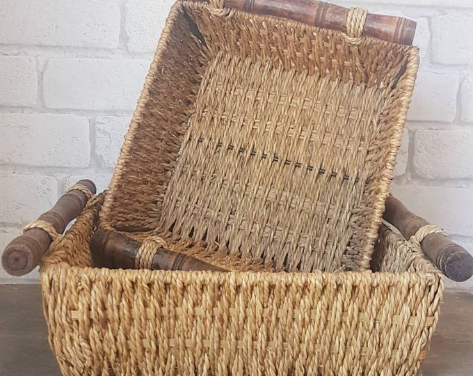 Lot 2 rattan baskets
