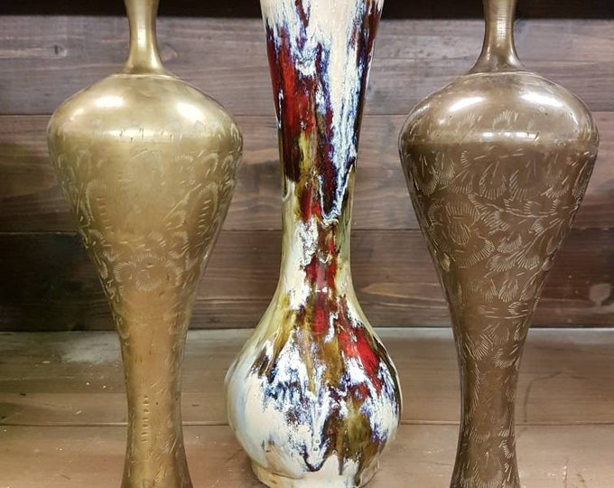 Set candlesticks, vase.