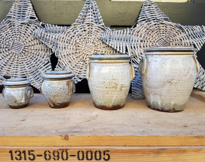 Serie pots sandstone