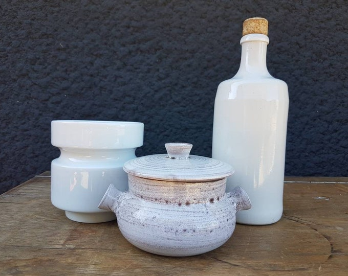 Trio pot, ceramic bottle, sandstone