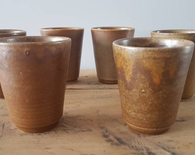 Service 6 sandstone cups