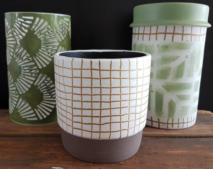 Pottery, pot cache