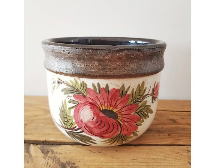 Ceramic pot cache