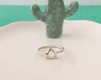 Triangle ring in silver or gold plated