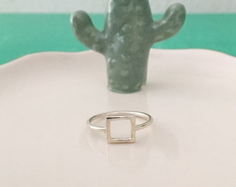 Square ring in silver or gold plated