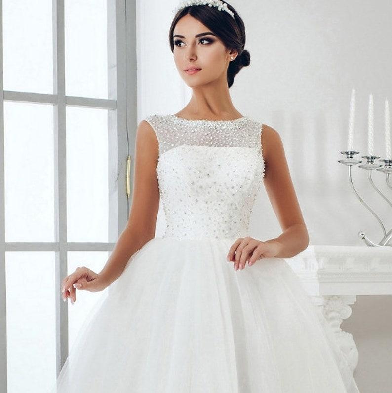 e5d6645fe09f0 White Wedding dress . Luxurious white wedding dress with