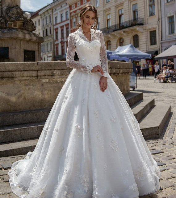 Wedding dress with long sleeves, 3d flowers , Illinois low back . Lace  winter wedding dress Ball gown wedding dress any sizes .PLUS SIZE