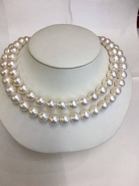 """32"""" Strand od 10.5mm  Cultured Freshwater Pearls   Very Good Lustet Round"""