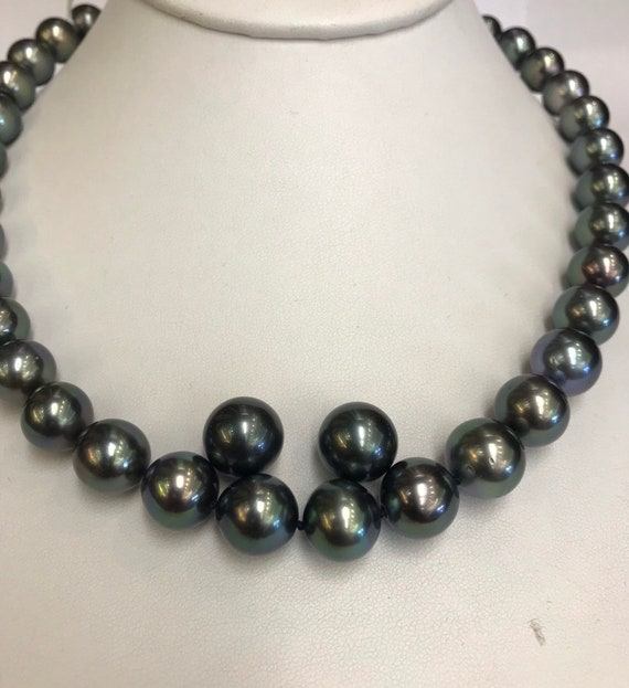 Tahitian South Sea Pearls  12.6x11mm  Great Luster Great Color  14k Gold Clasp  17""