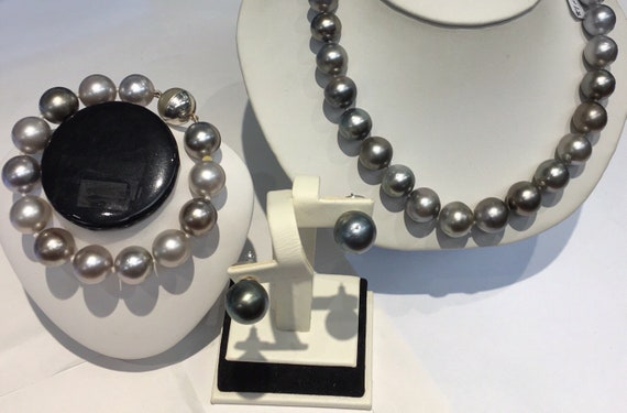 """Tahitian South Sea Pearl Set  16.5mm Necklace   9.5x13mm   Bracet  is 12.5x13mm  7""""   14 k Gold Ball Clasps  13mm Matching Earrings"""