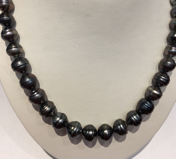 Tahitian South Sea Pearls  12x8.6mm  14k Gold Clasp   Circle Pearls  Natural Color Cultured Tahitan South Sea Pearls