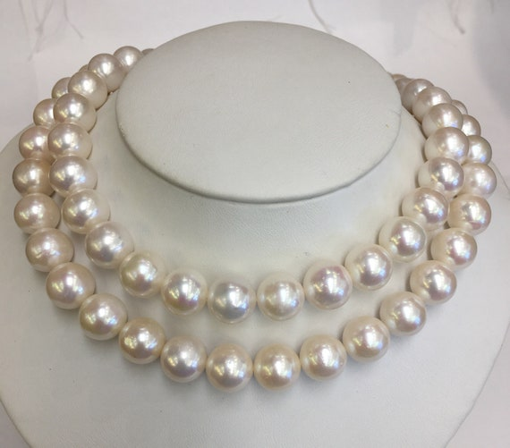 """32"""" Strand od 11.5mm Cultured Freshwater Pearls   Very Good Lustet Round"""